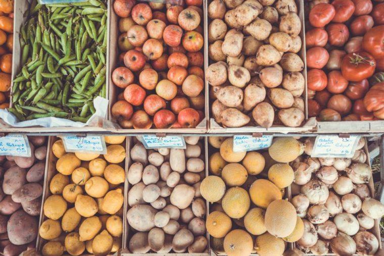 Petits pas écolos: manger de saison, local et bio